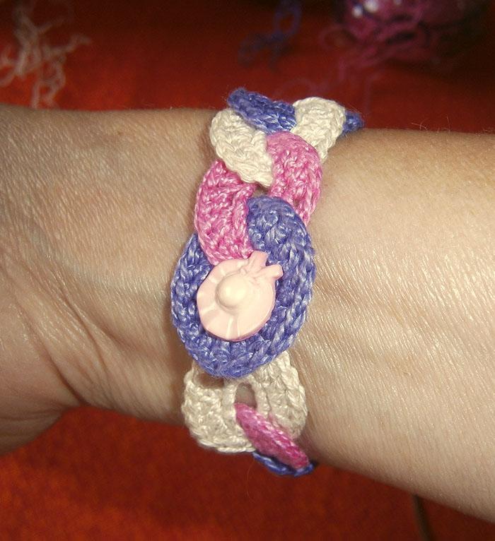 braccialetto abbottonato