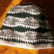 Cappello verde e grigio