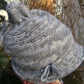 Cappellino da elfo grigio