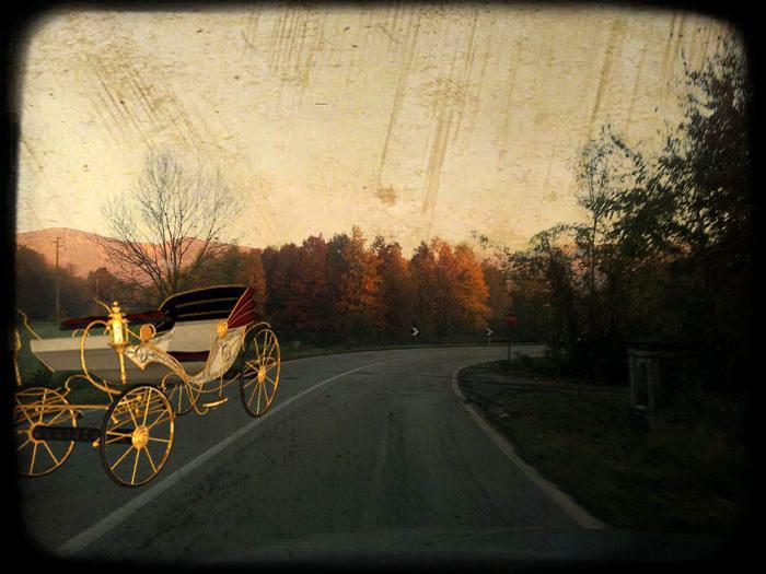Vettura vintage sulla strada di Robassomero