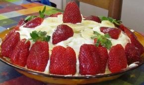Torta crema pasticcera e fragole