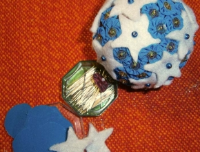 Dischi di stoffa e stelle di feltro