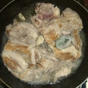 Pollo aromi e vino bianco