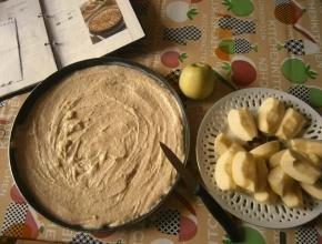 Preparazione della torta di mele